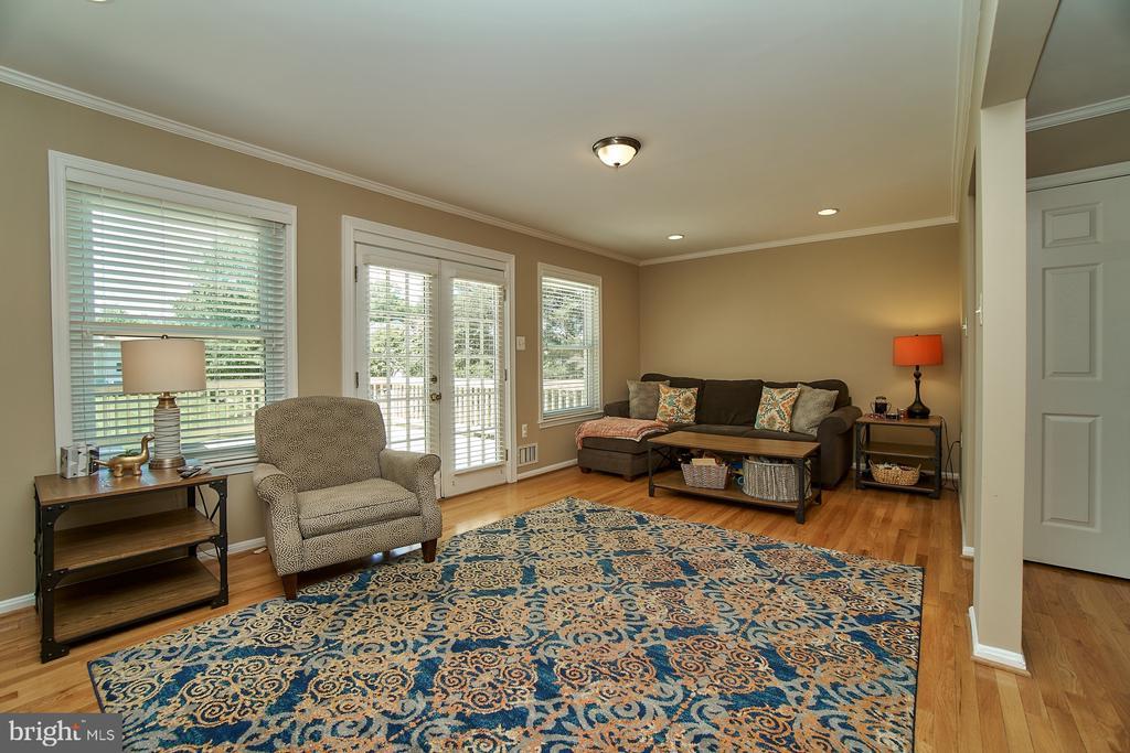 Living Room with Hardwood Floor - 6011 TICONDEROGA CT, BURKE