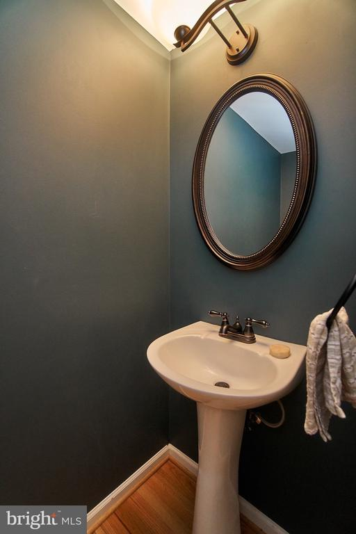 Main Level Powder Room - 6011 TICONDEROGA CT, BURKE