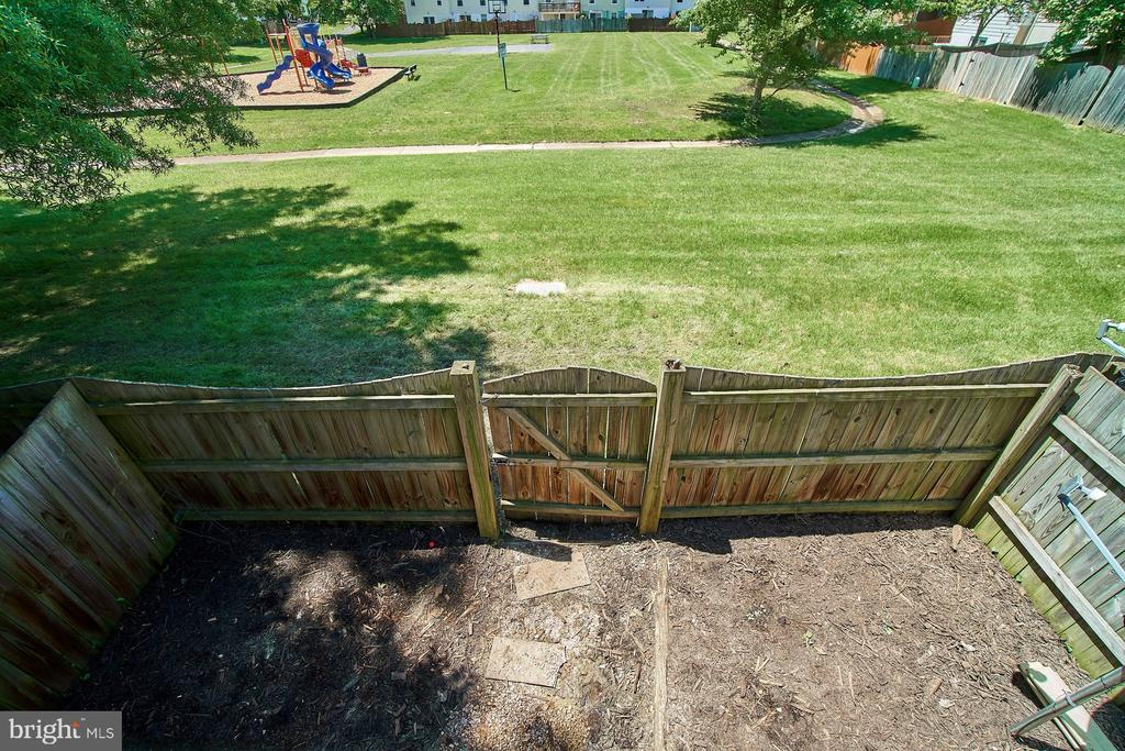 View from Deck to Lower Level Fenced Yard - 6011 TICONDEROGA CT, BURKE