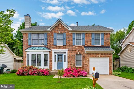 1018 CHINABERRY DR