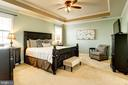 Large master bedroom suite - 16800 ANCHOR BEND CIR, WOODBRIDGE