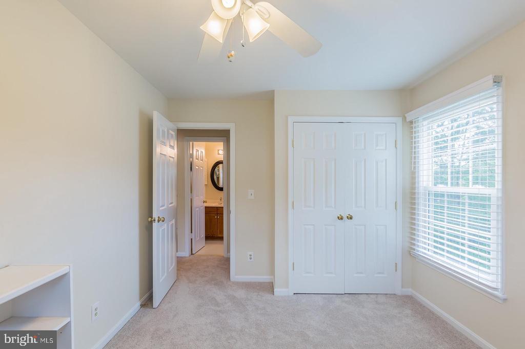 Large Bedroom #2 - 18 WESTHAMPTON CT, STAFFORD
