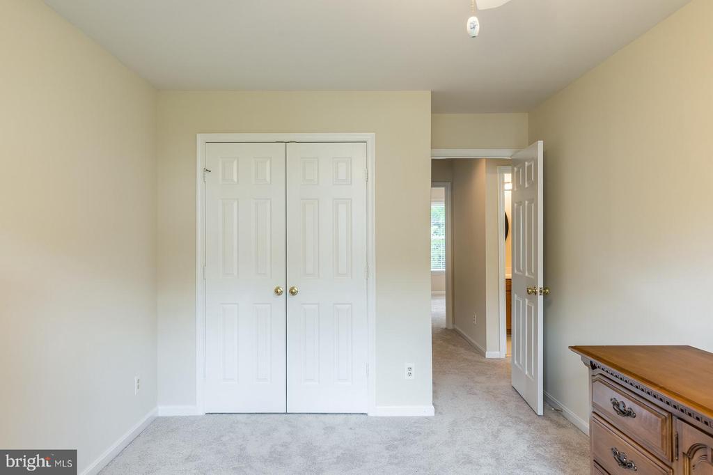 Large Bedroom #3 - 18 WESTHAMPTON CT, STAFFORD