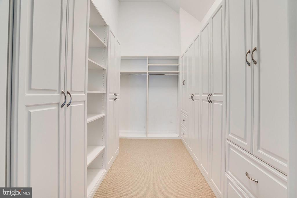 Someone say storage? YES. A storage room! - 738 FORD'S LANDING WAY, ALEXANDRIA