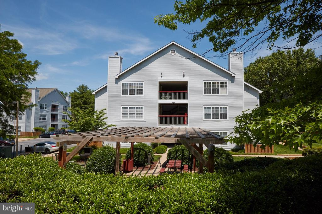 9902  BOYSENBERRY WAY  278-20, Gaithersburg in MONTGOMERY County, MD 20886 Home for Sale
