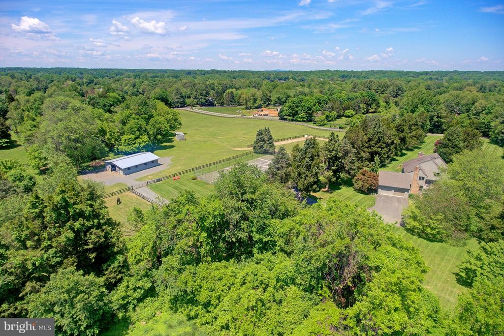 The home and barn on lots 2 and 3 totaling 11.54ac - 9421 CORNWELL FARM DR, GREAT FALLS