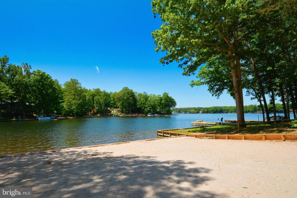Main community beach - 430 BIRDIE RD, LOCUST GROVE