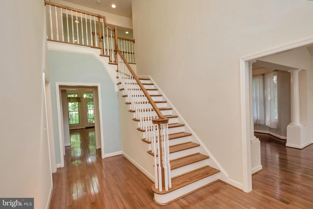 Stairway to second level - 430 BIRDIE RD, LOCUST GROVE
