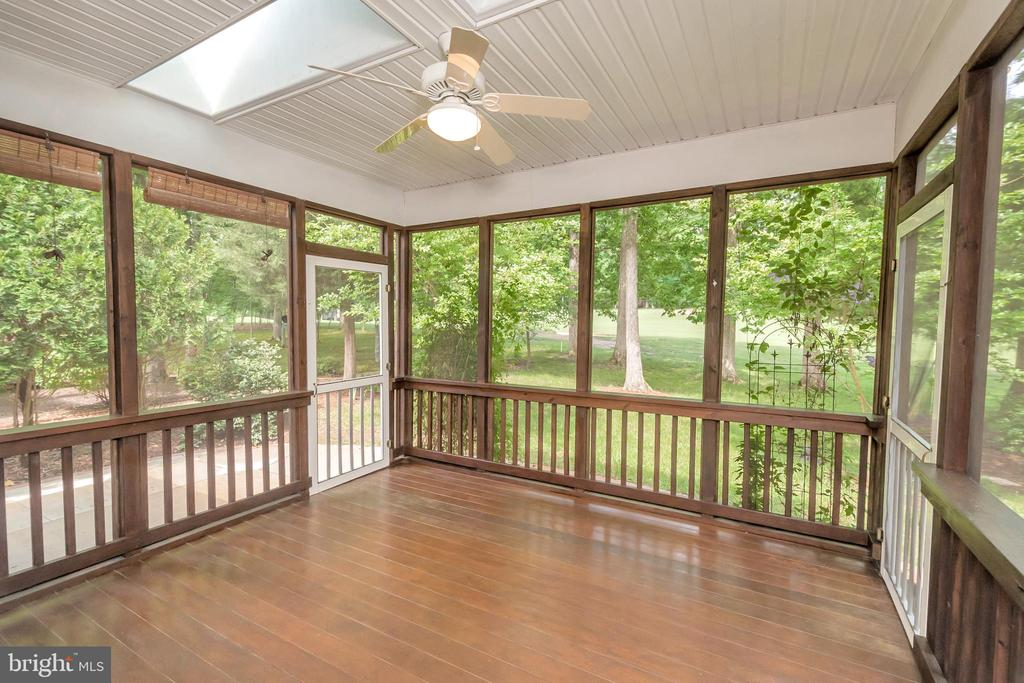 Screened porch--brazilian hardwoods - 430 BIRDIE RD, LOCUST GROVE