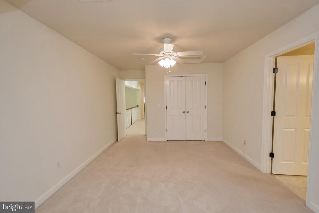 Upper master closet - 430 BIRDIE RD, LOCUST GROVE