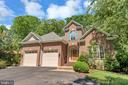 Circular driveway provides ample guest parking - 430 BIRDIE RD, LOCUST GROVE