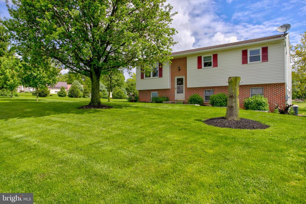 935 N COLEBROOK ROAD, Manheim in LANCASTER County, PA 17545 Home for Sale