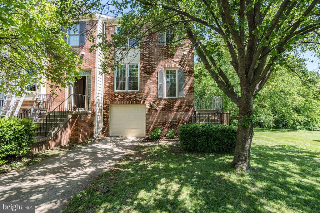 Welcome to 46758 Woodmint Terrace - 46758 WOODMINT TER, STERLING