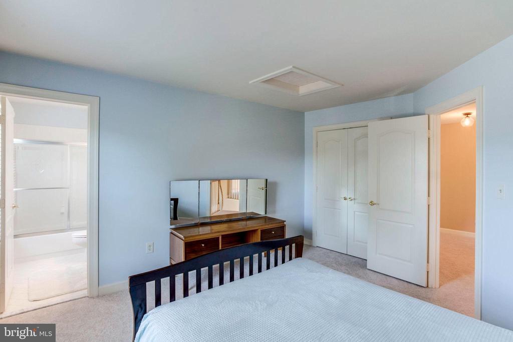 Bedroom 4 view 2 - 7900 GREENEBROOK CT, FAIRFAX STATION