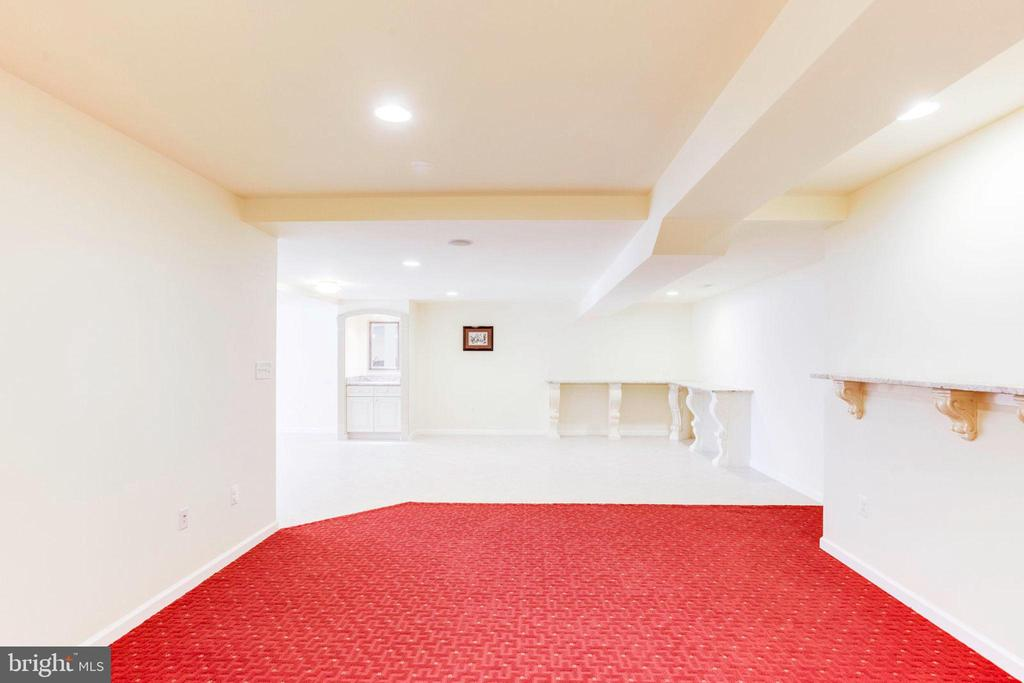 Carpeted Cozy Basement Area - 7900 GREENEBROOK CT, FAIRFAX STATION