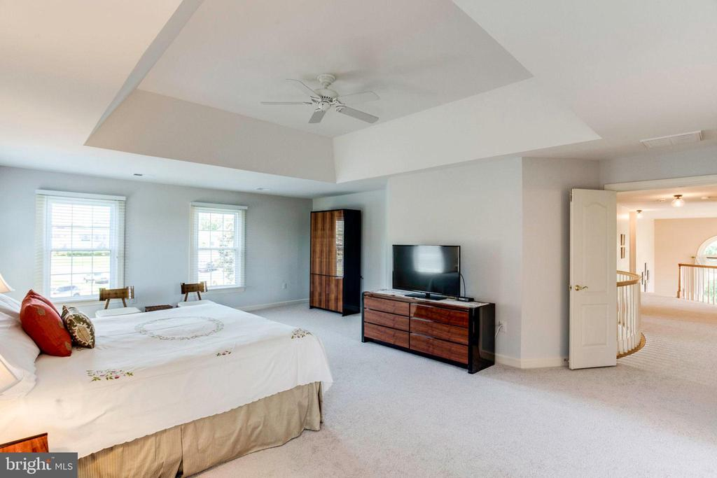 Master Bedroom view 2 with Ceiling Fan - 7900 GREENEBROOK CT, FAIRFAX STATION