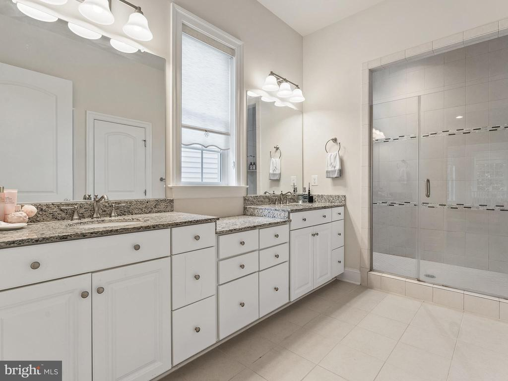Spacious Master Bath w/ frameless  Walk-in Shower - 42168 THORLEY PL, CHANTILLY
