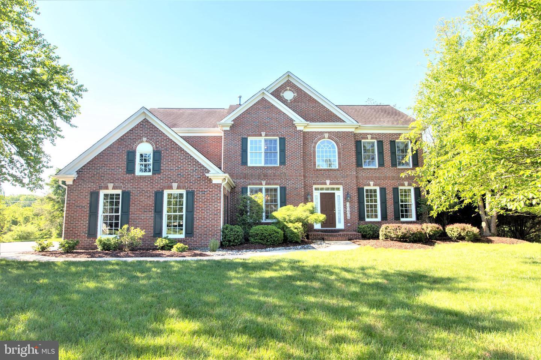 Single Family for Sale at 10406 Sandringham Ct Potomac, Maryland 20854 United States