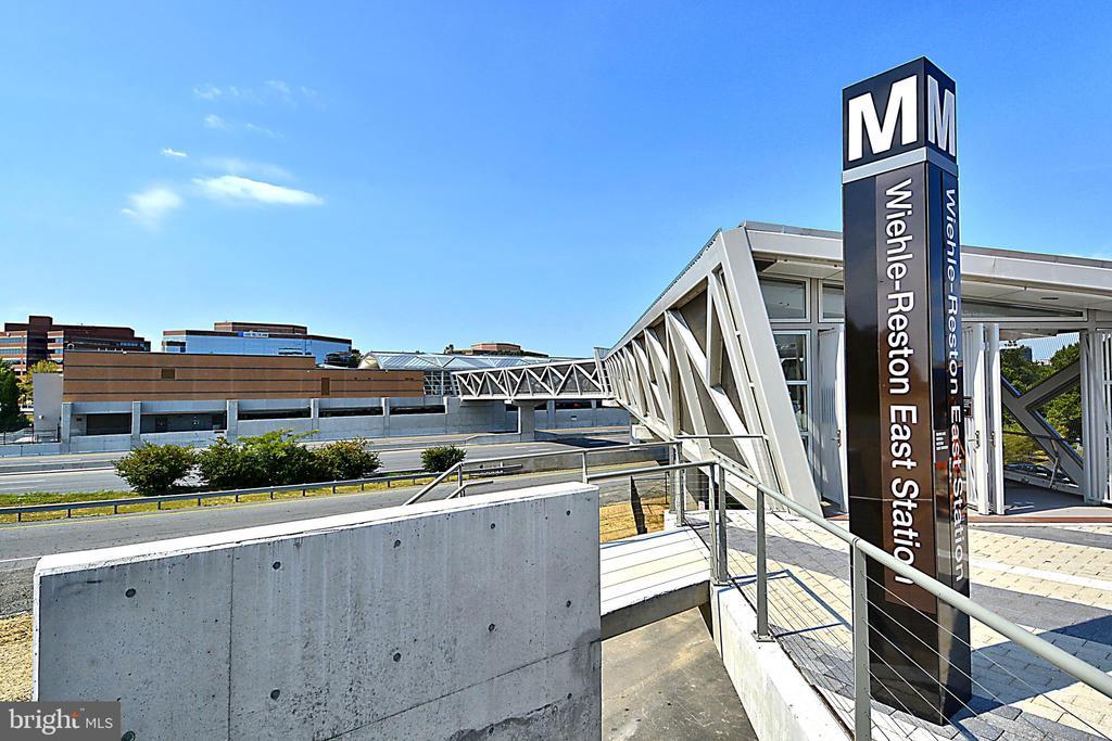 Close to New Metro Station - 11309 STONEHOUSE PL, POTOMAC FALLS