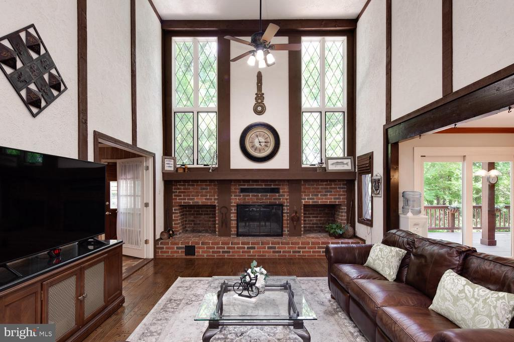 Great room with 2nd wood-burning fireplace - 2821 N QUEBEC ST, ARLINGTON