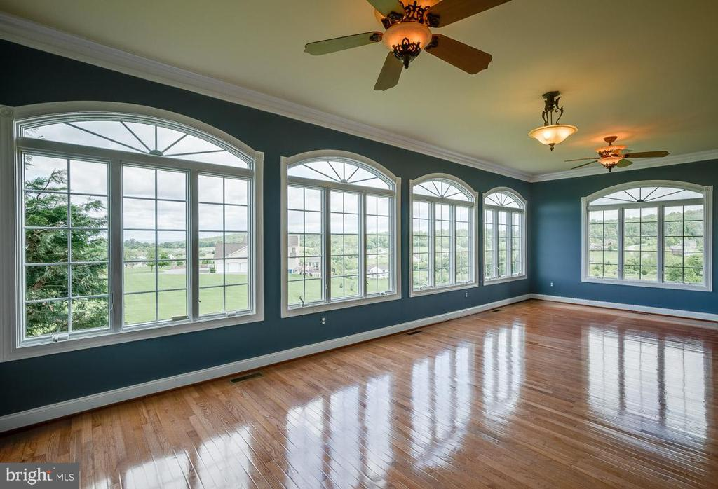 Sun drenched Sun Room with mountain views - 15052 BANKFIELD DR, WATERFORD