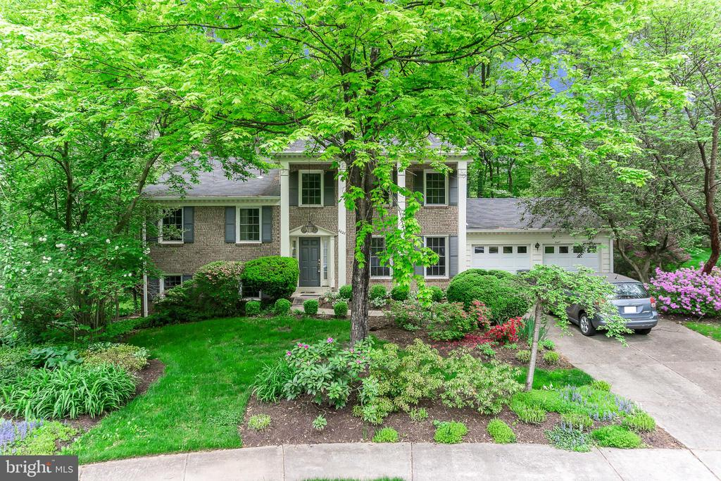 Front of Home - 8620 APPLETON CT, ANNANDALE