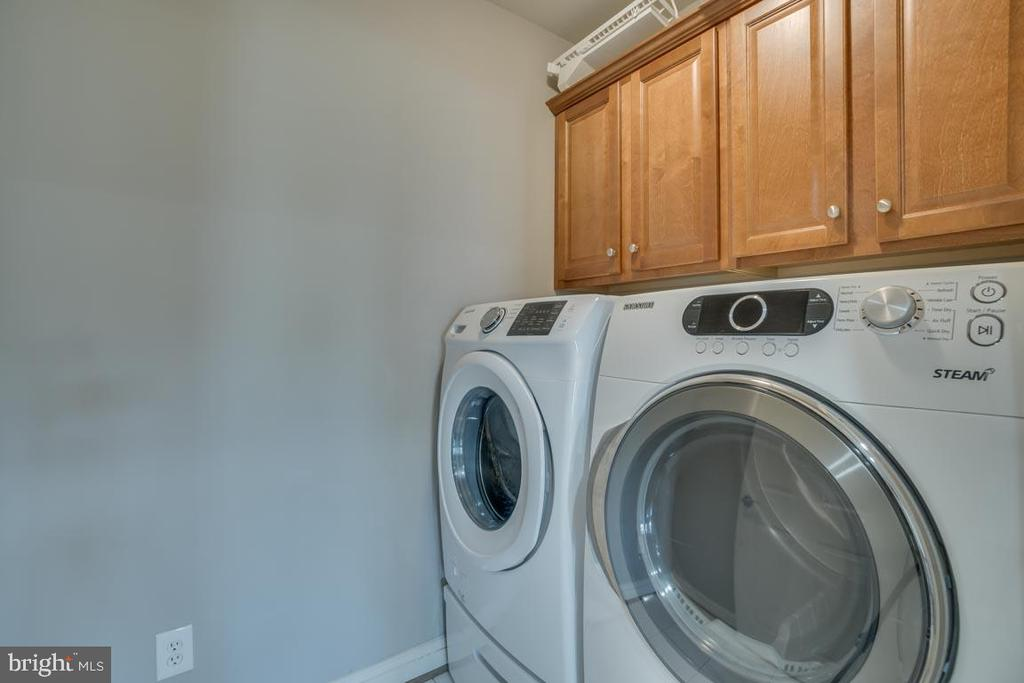Laundry on 2nd floor with bedrooms - 18460 KERILL RD, TRIANGLE
