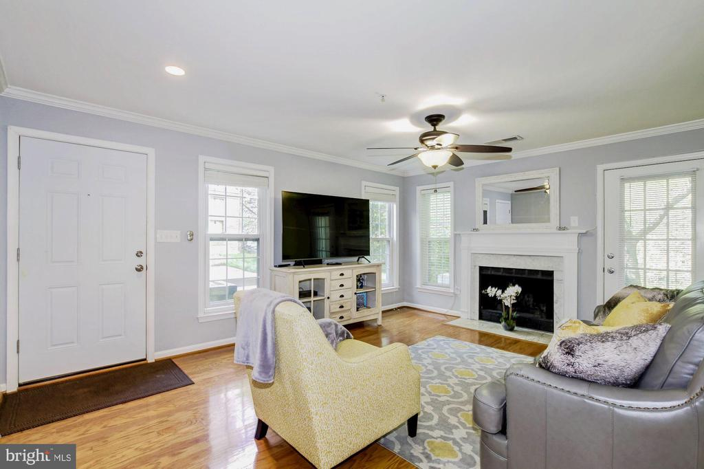 1047  HILLSIDE LAKE TERRACE  1201, Gaithersburg in MONTGOMERY County, MD 20878 Home for Sale