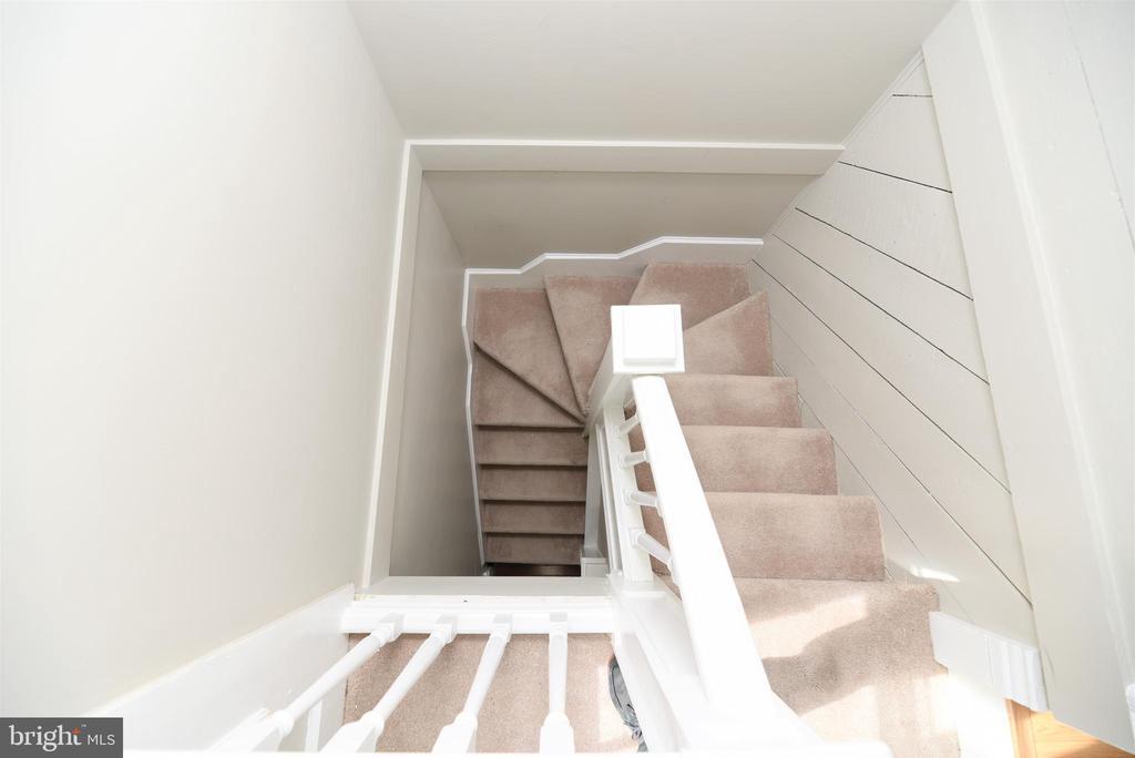 Attic Staircase - 765 MONROE ST, HERNDON