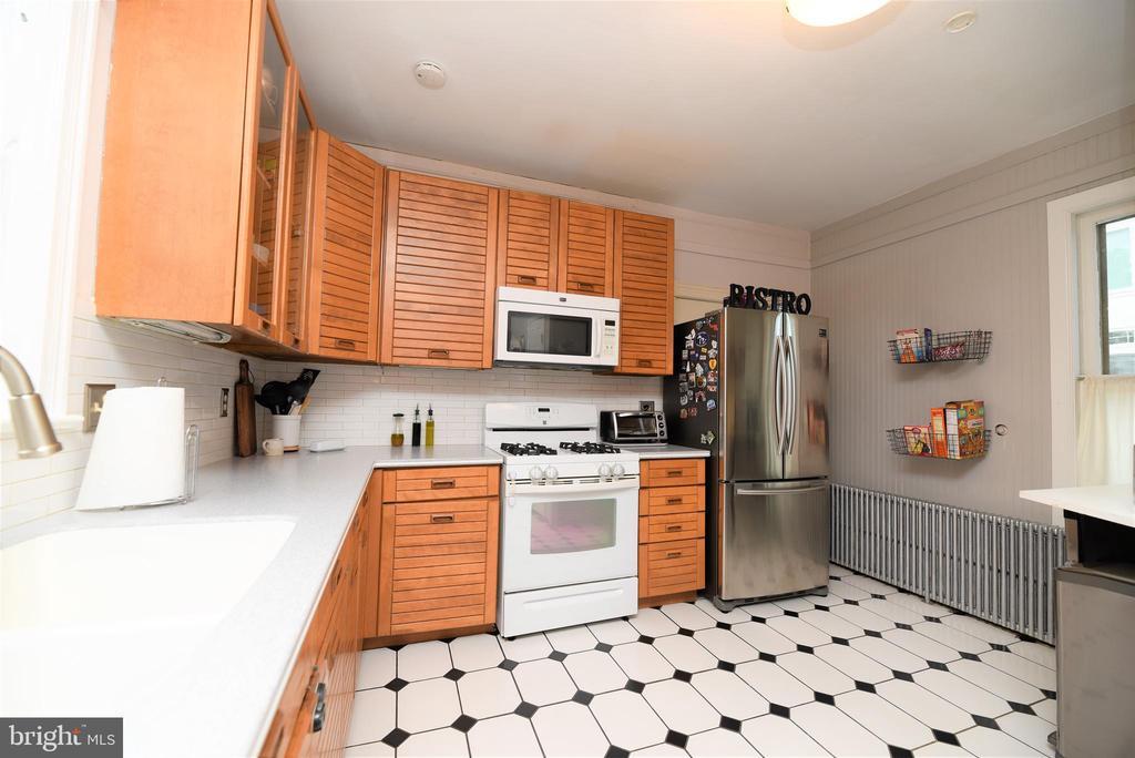 Kitchen - 765 MONROE ST, HERNDON