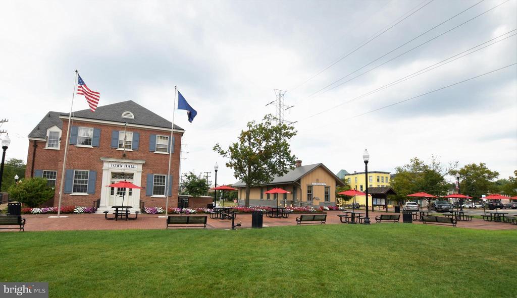 Downtown of Herndon - 765 MONROE ST, HERNDON