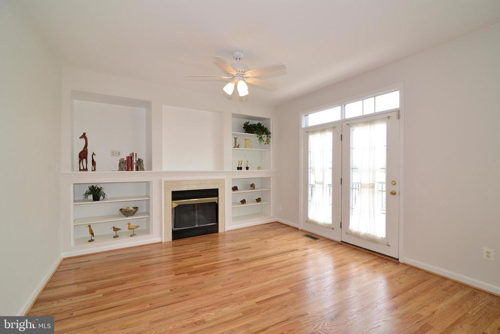 Family room adjacent to kitchen - 12144 CHANCERY STATION CIR, RESTON