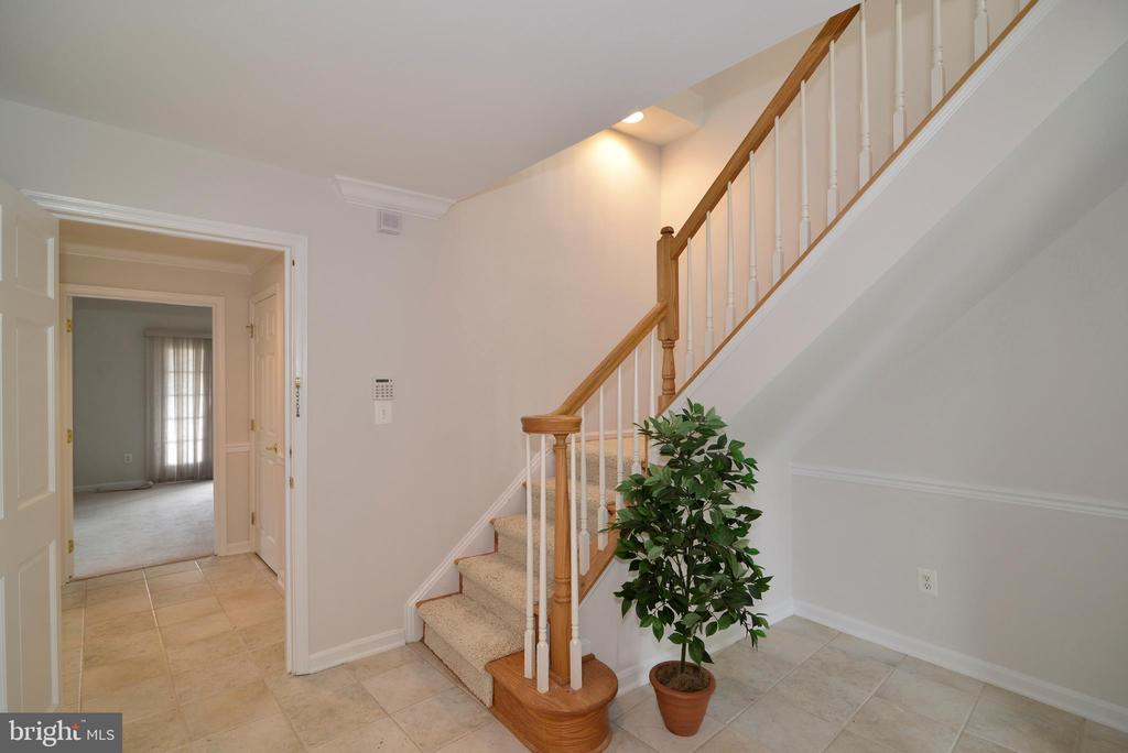 Foyer - 12144 CHANCERY STATION CIR, RESTON