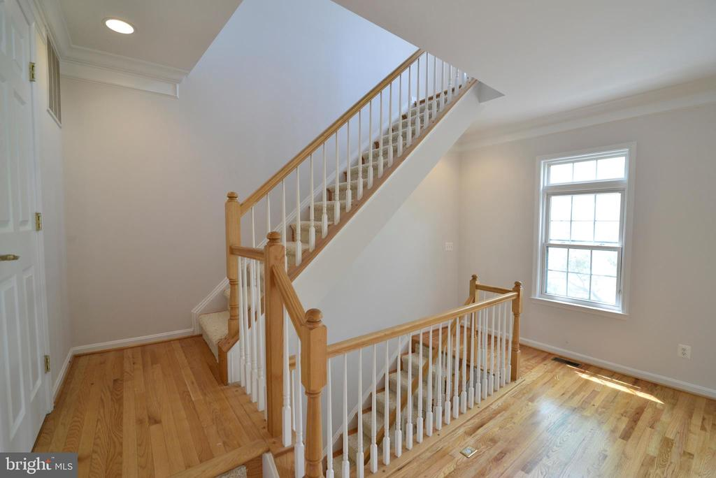 Main level landing - 12144 CHANCERY STATION CIR, RESTON