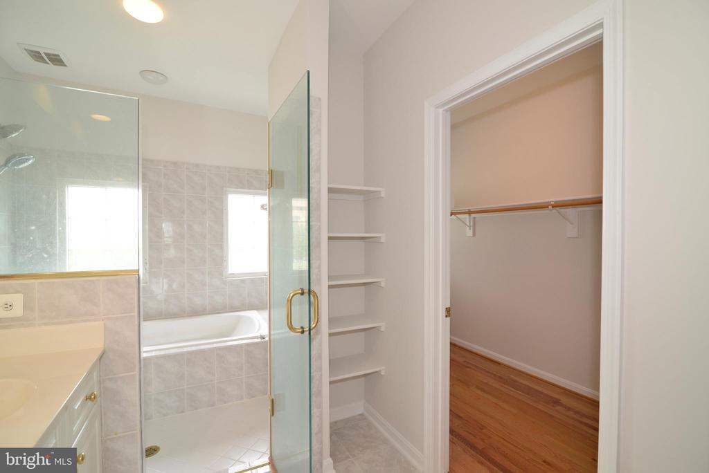 Master bath/closet - 12144 CHANCERY STATION CIR, RESTON