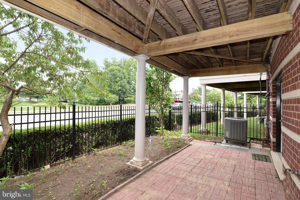 Patio with fenced-in yard - 12144 CHANCERY STATION CIR, RESTON