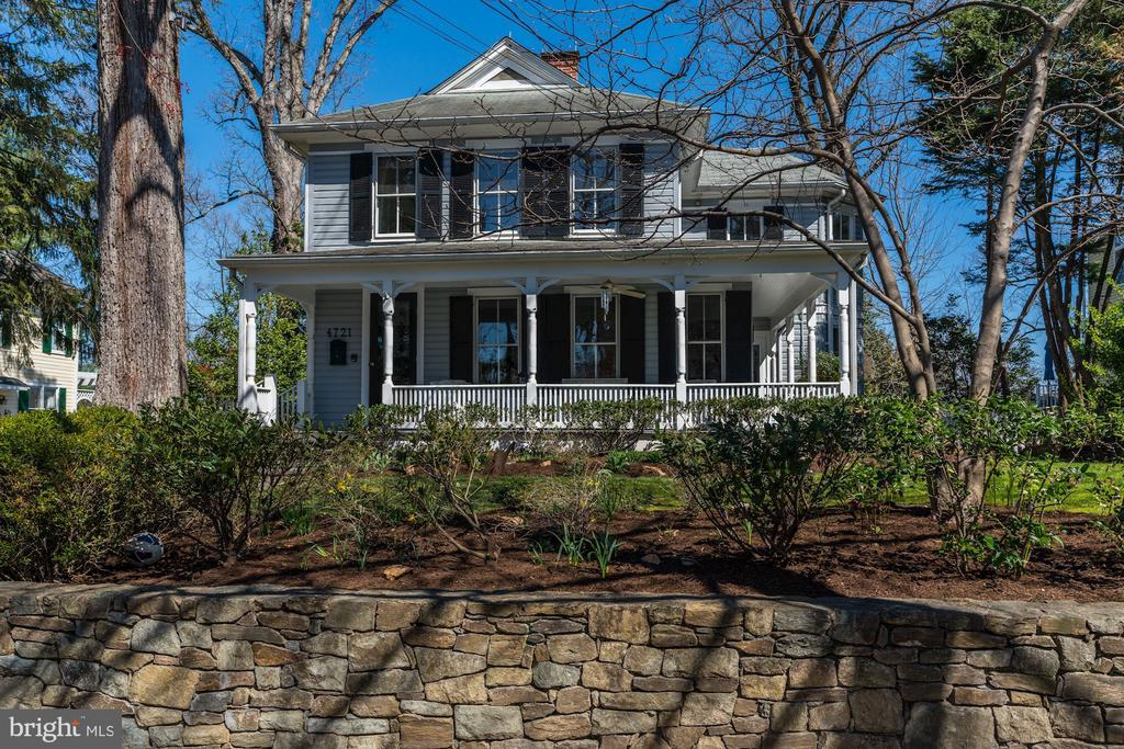 Quintessential Somerset - 4721 CUMBERLAND AVE, CHEVY CHASE