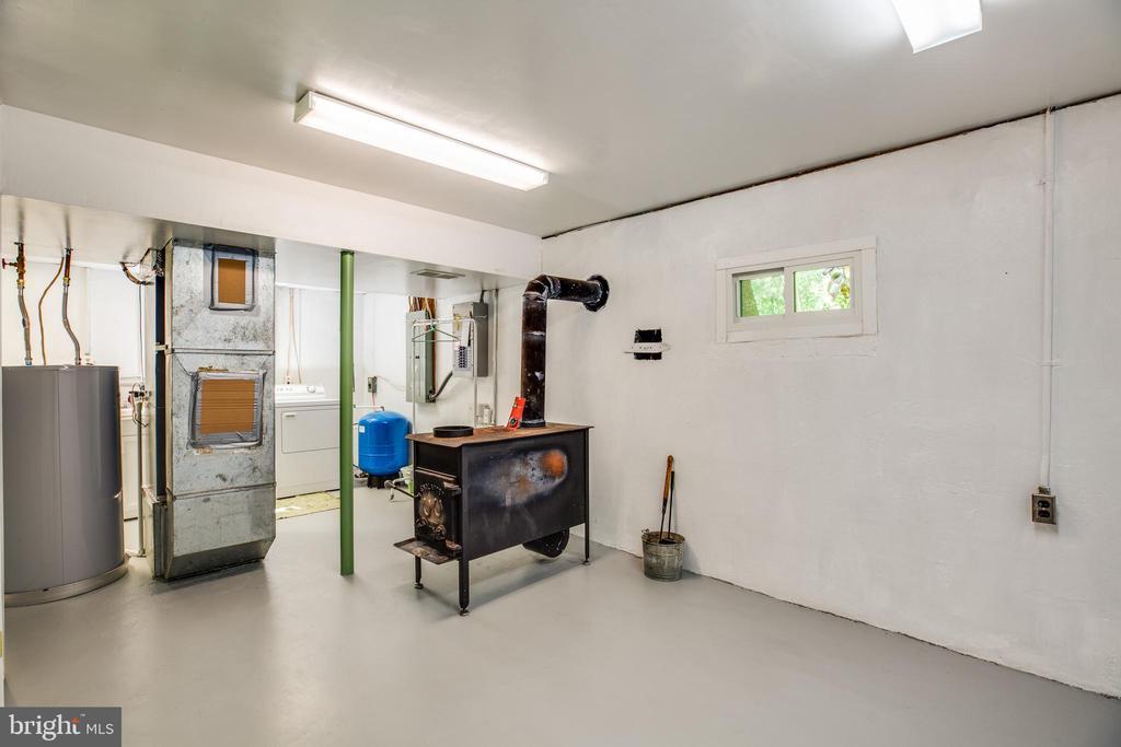 Basement Unfinished Area - 807 LEELAND RD, FREDERICKSBURG