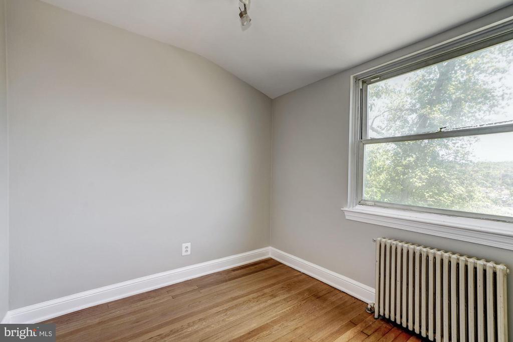 Upper Level - Bedroom #3 - 27 N FENWICK ST, ARLINGTON