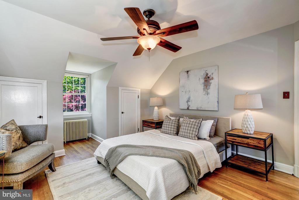 Upper Level - Master Bedroom - 27 N FENWICK ST, ARLINGTON