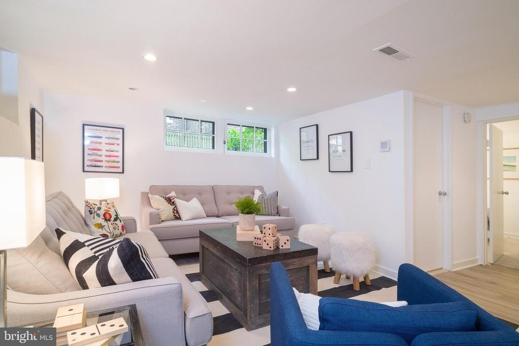 Perfect space to relax - 3631 VAN NESS ST NW, WASHINGTON