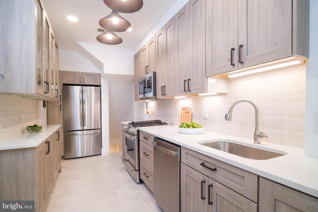 Fully renovated kitchen - 3631 VAN NESS ST NW, WASHINGTON