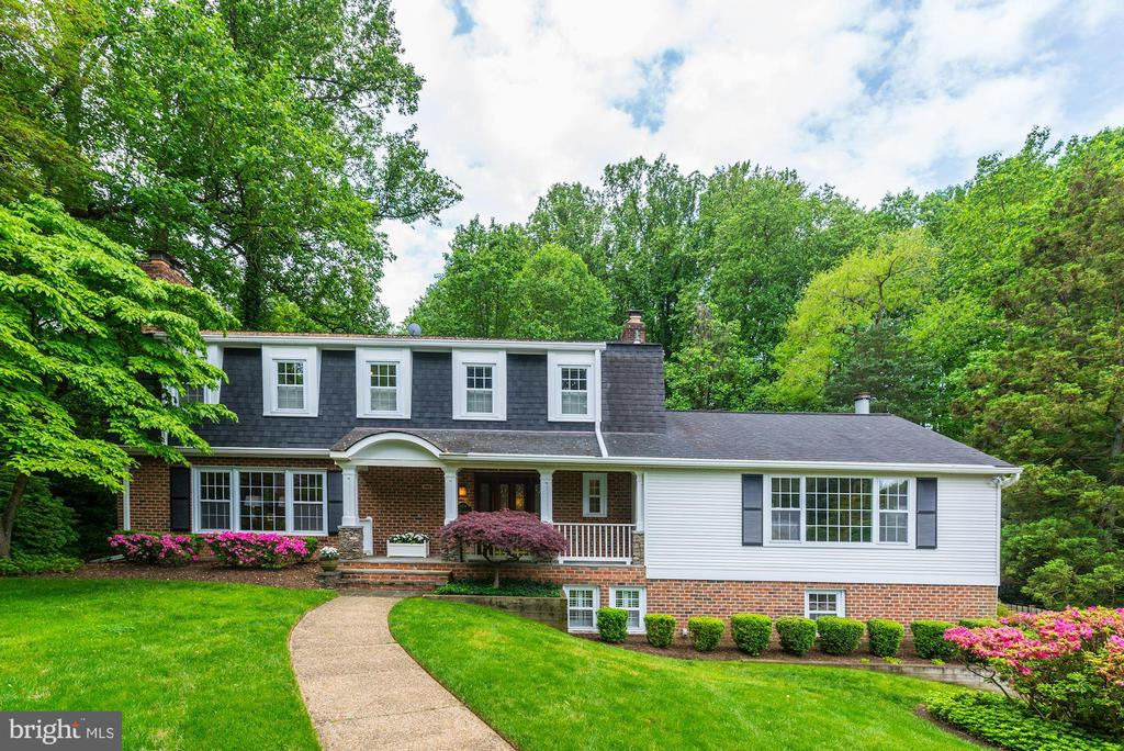 The RIGHT home in the RIGHT place! - 3856 N RIXEY ST, ARLINGTON