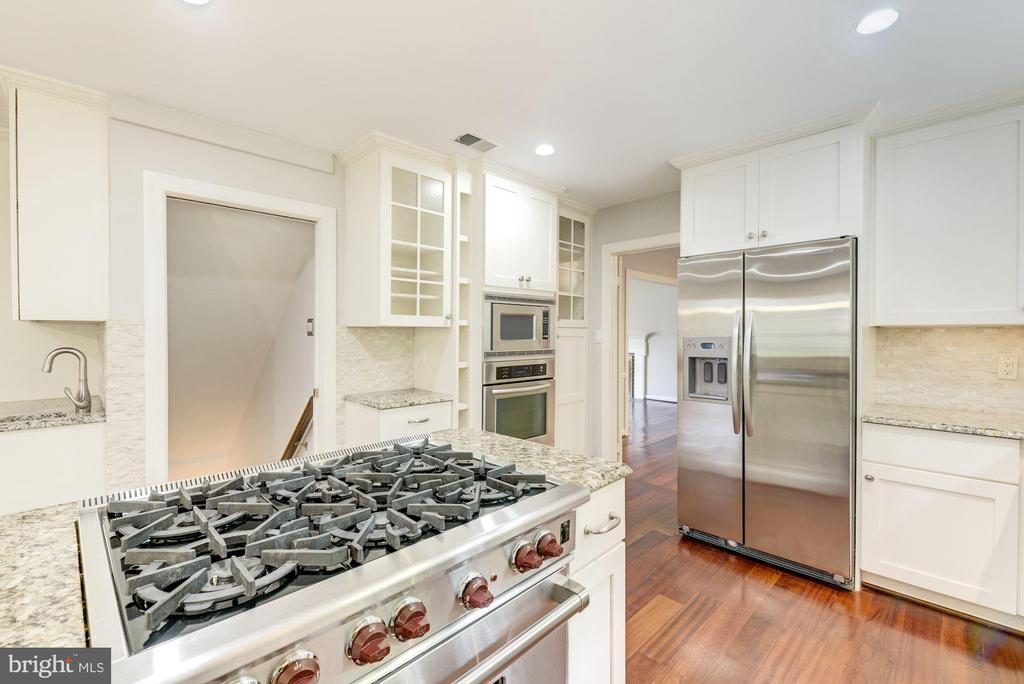 Wolfe 6-burner gas range~2nd oven~Stainless Steel! - 3856 N RIXEY ST, ARLINGTON