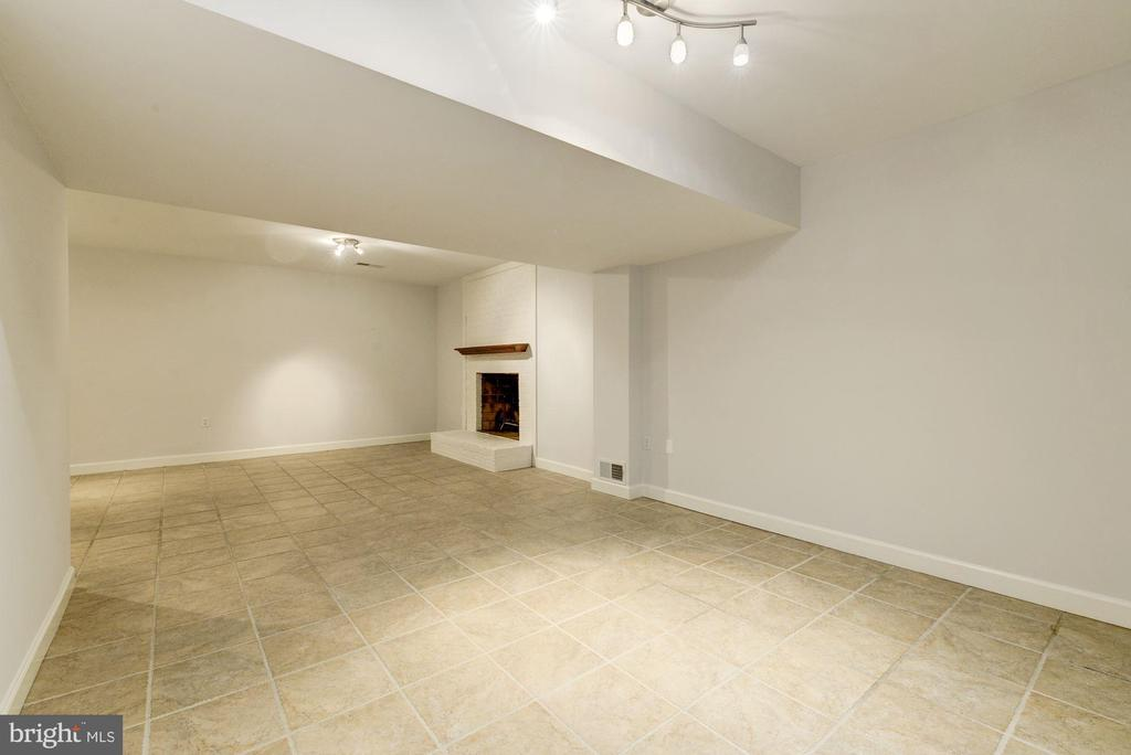 More space for recreation around the corner! - 3856 N RIXEY ST, ARLINGTON