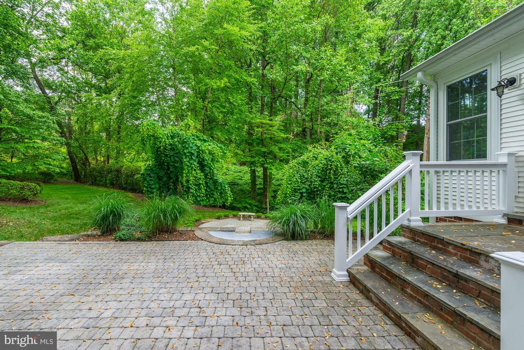 Step out of bonus room onto first patio~grilling? - 3856 N RIXEY ST, ARLINGTON