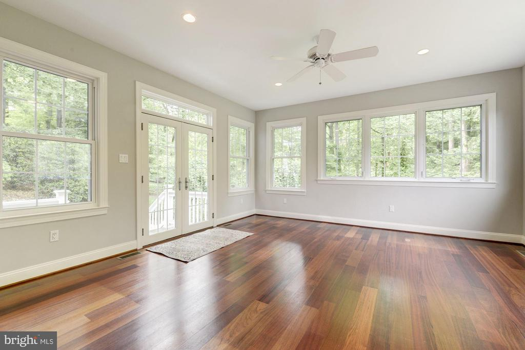 Enter into the spacious Bonus room for extra needs - 3856 N RIXEY ST, ARLINGTON