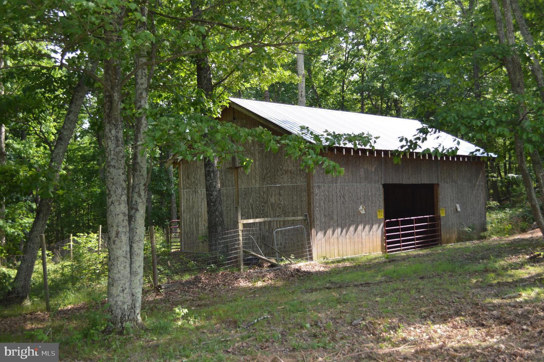 Single Family Homes للـ Sale في Lebanon Church, Virginia 22641 United States