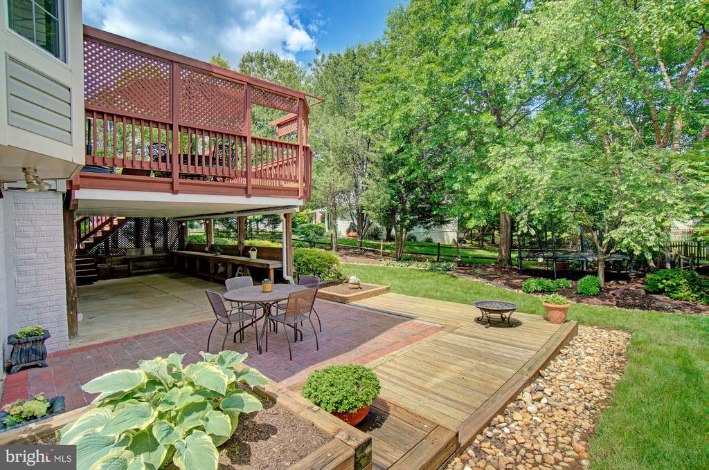 Enjoy Long Evenings on the Patio - 43092 STONECOTTAGE PL, ASHBURN
