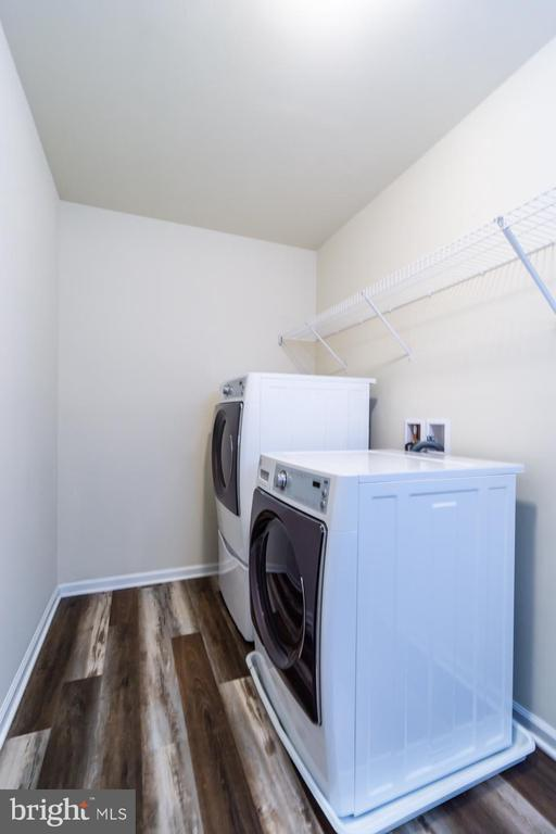Laundry room conveniently located on upper level - 24496 LENAH TRAILS PL, ALDIE